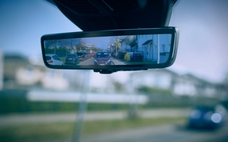 Ford 'Smart Mirror' Will Ensure Van Drivers Can See Clearly Behind Them