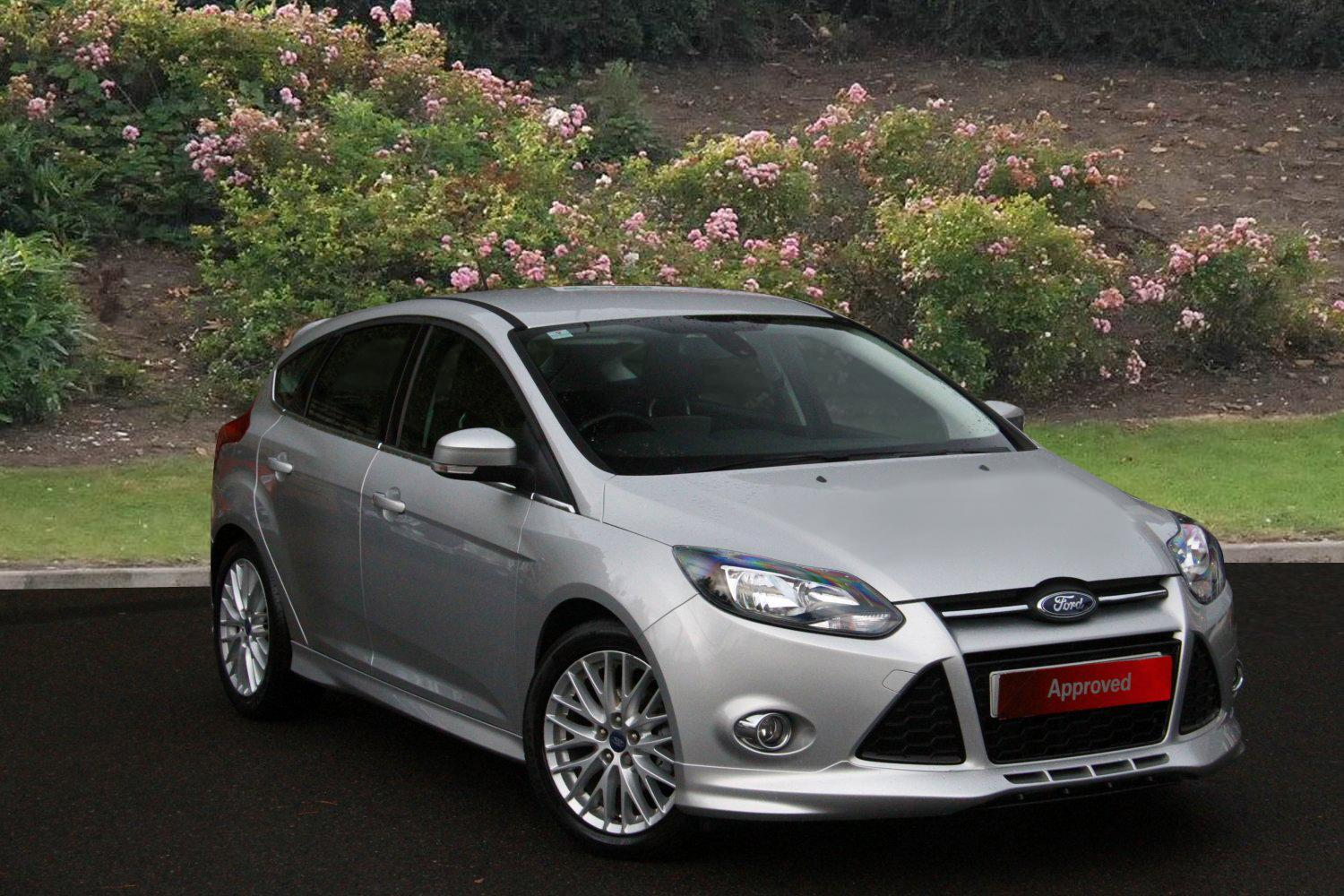 used ford focus 1 6 tdci 115 zetec s 5dr diesel hatchback for sale in scotland macklin motors. Black Bedroom Furniture Sets. Home Design Ideas