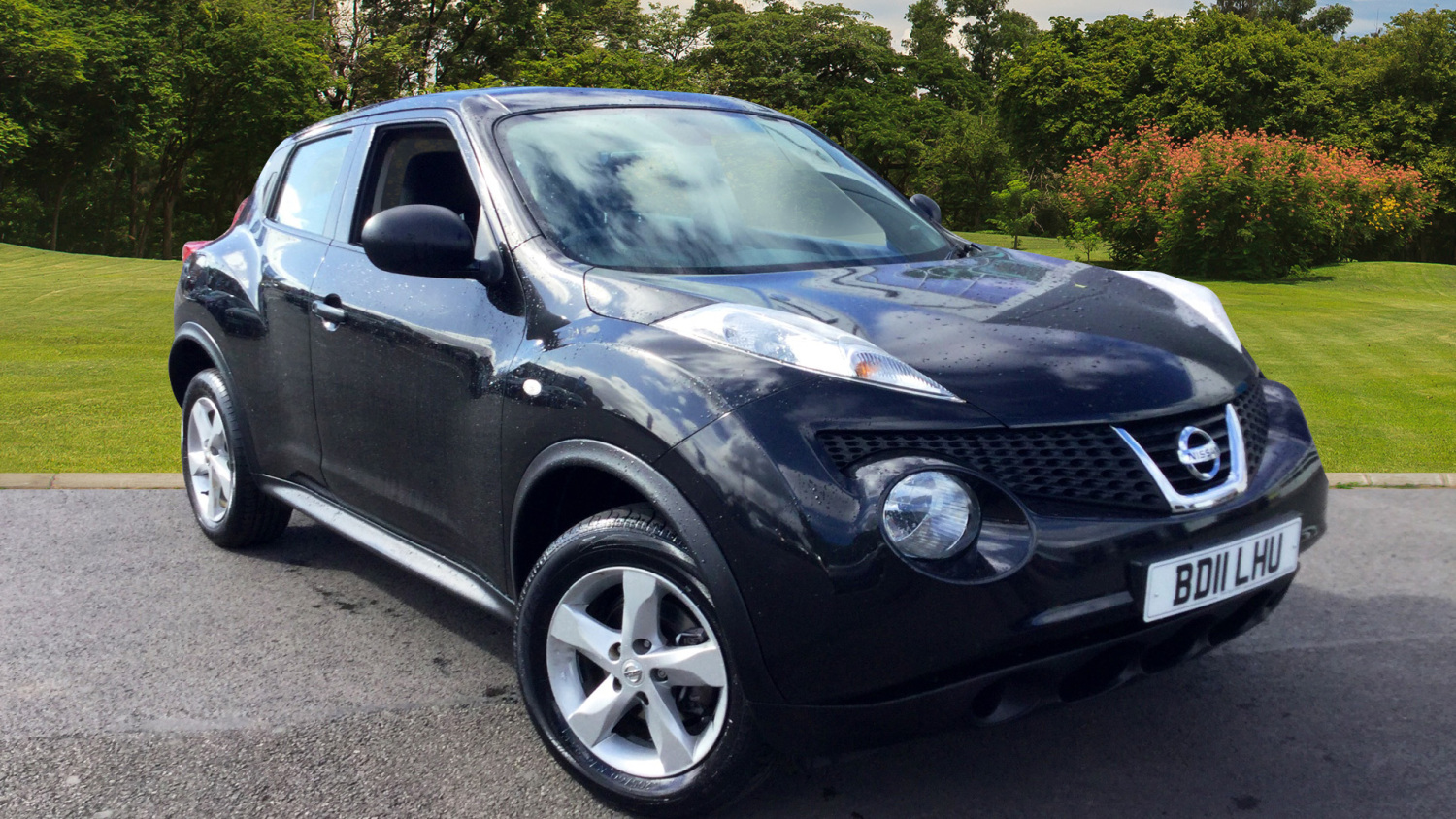 used nissan juke 1 6 visia 5dr petrol hatchback for sale in scotland macklin motors. Black Bedroom Furniture Sets. Home Design Ideas