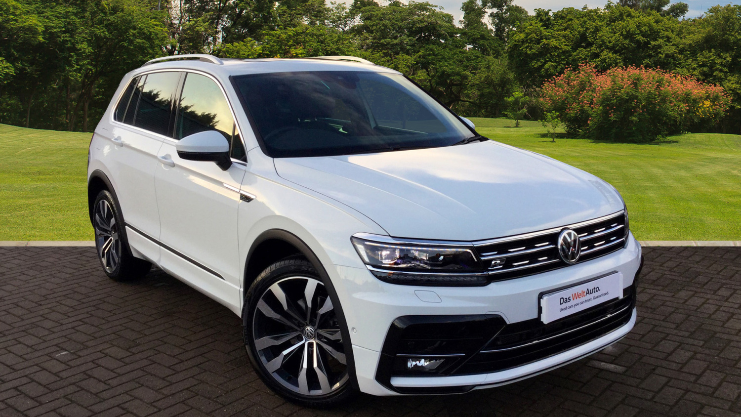 used volkswagen tiguan 2 0 tdi bmt 150 4motion r line 5dr dsg diesel estate for sale in scotland. Black Bedroom Furniture Sets. Home Design Ideas