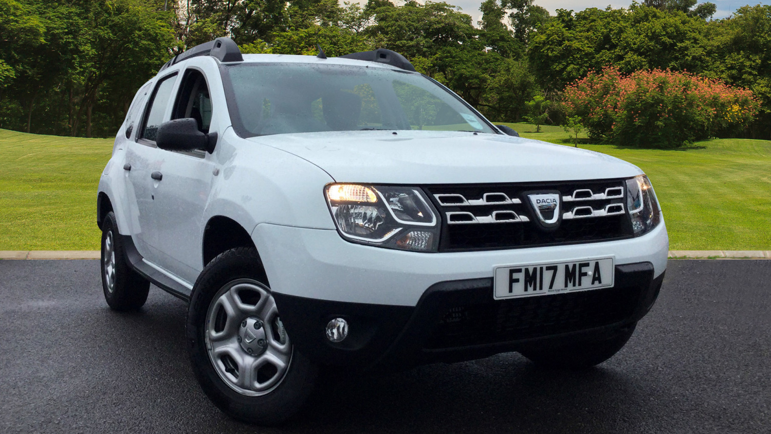used dacia duster 1 5 dci 110 ambiance 5dr 4x4 diesel estate for sale in scotland macklin motors. Black Bedroom Furniture Sets. Home Design Ideas