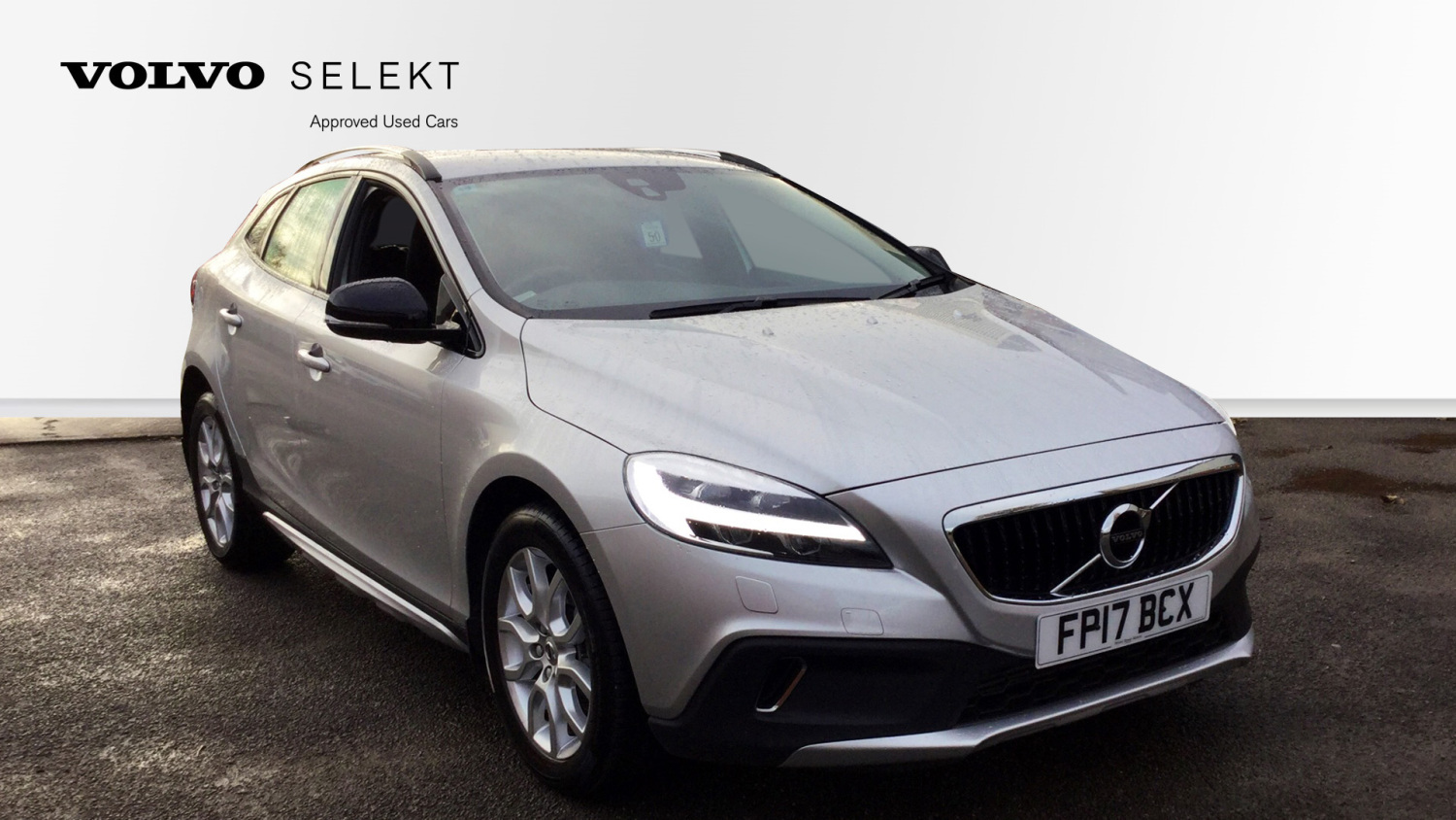 used volvo v40 d2 120 cross country pro 5dr diesel. Black Bedroom Furniture Sets. Home Design Ideas