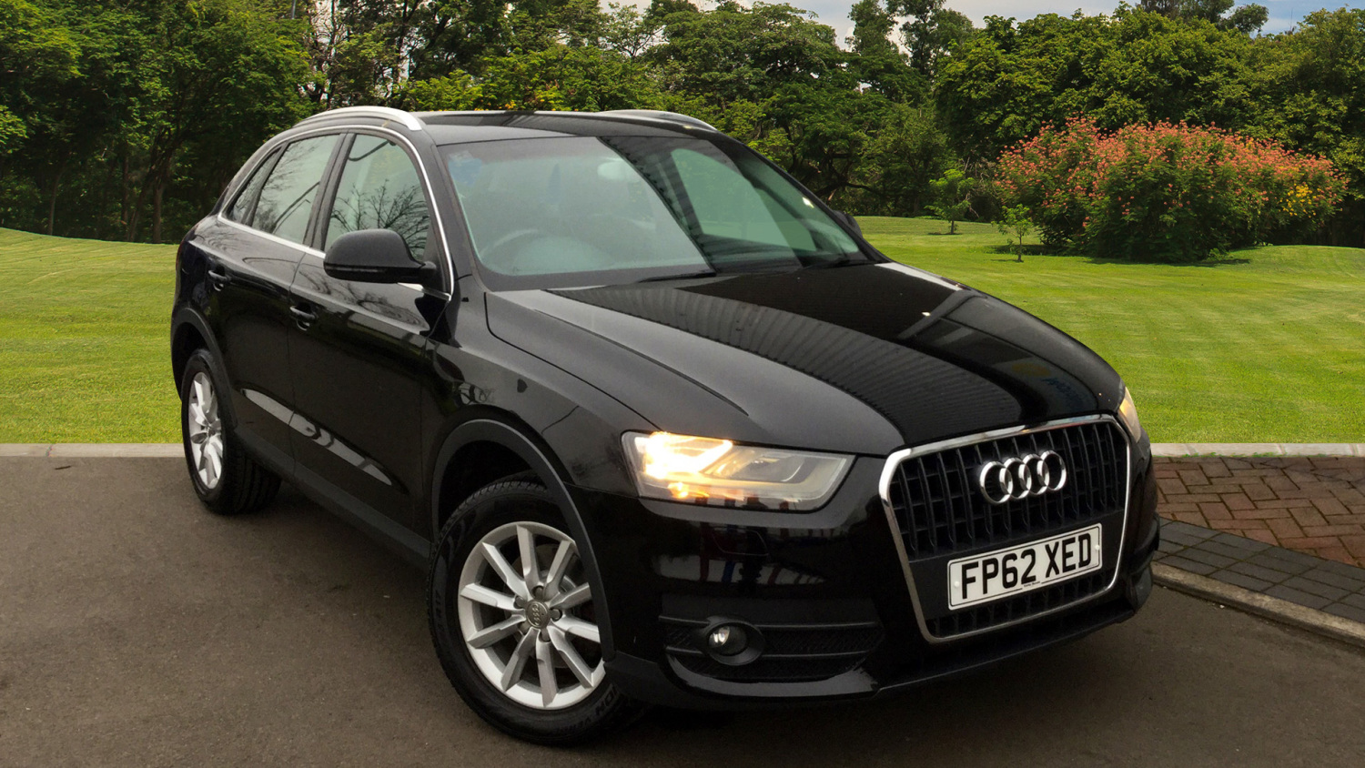 used audi q3 2 0 tdi se 5dr diesel estate for sale in. Black Bedroom Furniture Sets. Home Design Ideas