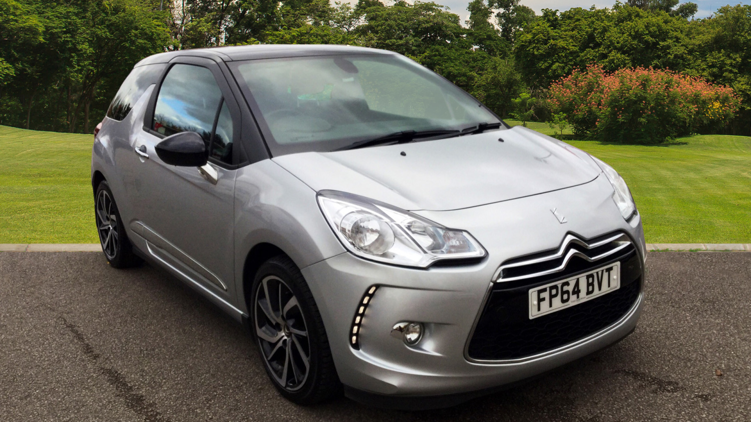 used citroen ds3 1 6 e hdi airdream dstyle plus 3dr diesel hatchback for sale in scotland. Black Bedroom Furniture Sets. Home Design Ideas