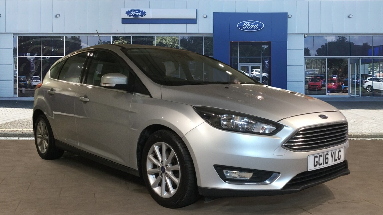 used ford focus 1 5 tdci 120 titanium 5dr diesel hatchback for sale in scotland macklin motors. Black Bedroom Furniture Sets. Home Design Ideas