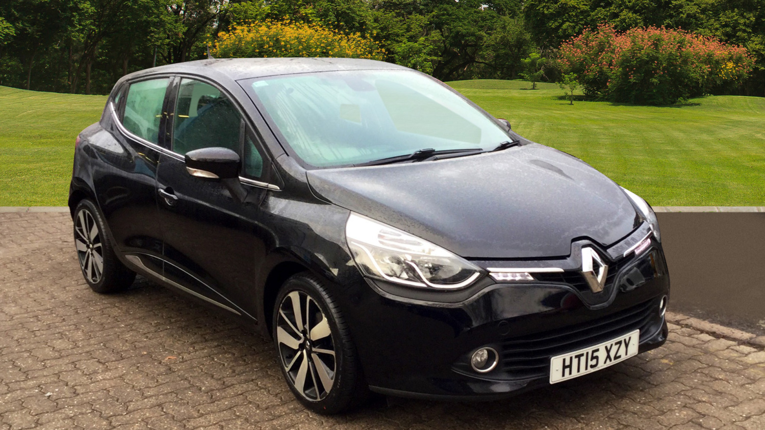 used renault clio 0 9 tce 90 dynamique s nav 5dr petrol hatchback for sale in scotland macklin. Black Bedroom Furniture Sets. Home Design Ideas