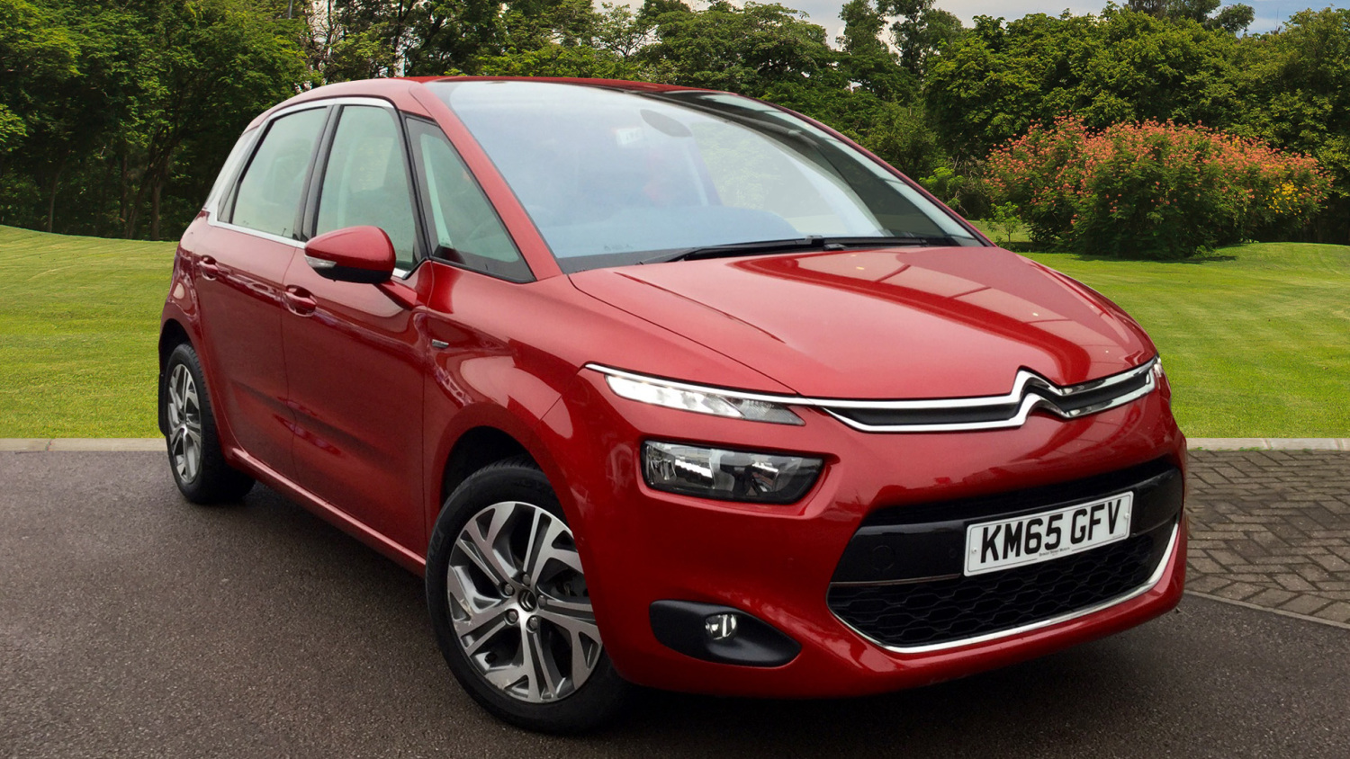 used citroen c4 picasso 1 6 bluehdi exclusive 5dr diesel estate for sale in scotland macklin. Black Bedroom Furniture Sets. Home Design Ideas