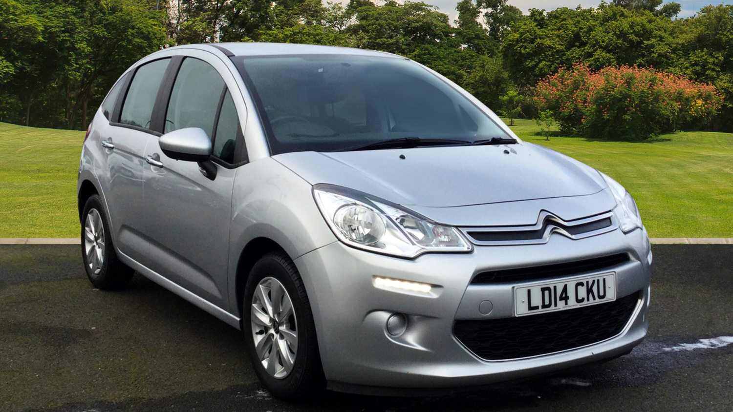 used citroen c3 1 2 vti vtr 5dr petrol hatchback for sale in scotland macklin motors. Black Bedroom Furniture Sets. Home Design Ideas