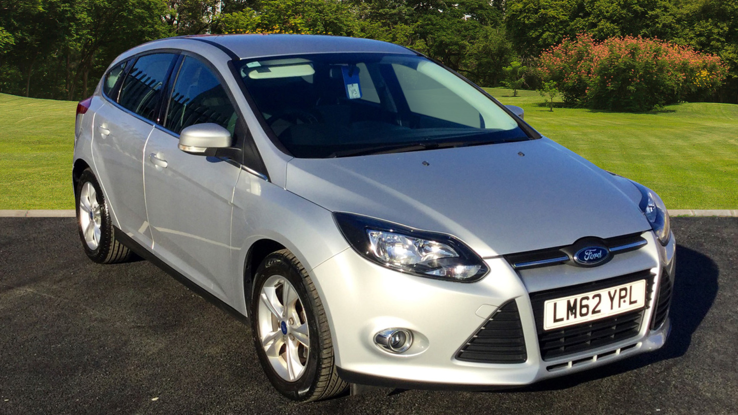 used ford focus 1 0 ecoboost zetec 5dr petrol hatchback for sale in scotland macklin motors. Black Bedroom Furniture Sets. Home Design Ideas