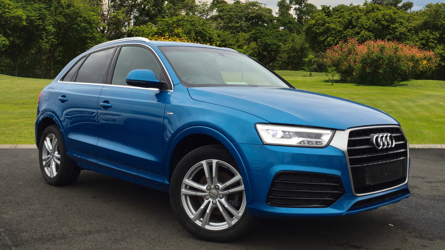 used audi q3 2 0 tdi s line navigation 5dr diesel estate. Black Bedroom Furniture Sets. Home Design Ideas