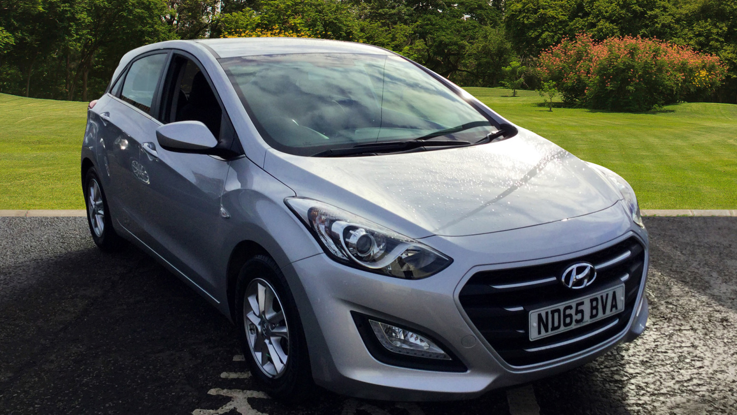 used hyundai i30 1 6 crdi blue drive se 5dr diesel hatchback for sale in scotland macklin motors. Black Bedroom Furniture Sets. Home Design Ideas