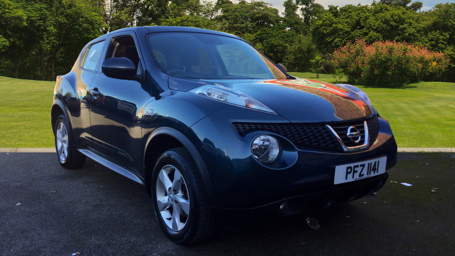 used nissan juke 1 6 94 visia 5dr petrol hatchback for sale in scotland macklin motors. Black Bedroom Furniture Sets. Home Design Ideas