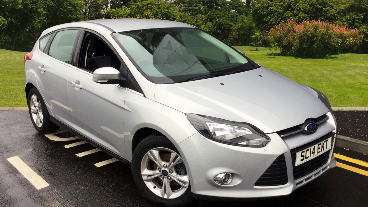 used ford focus 1 6 125 zetec 5dr powershift petrol hatchback for sale in scotland macklin motors. Black Bedroom Furniture Sets. Home Design Ideas