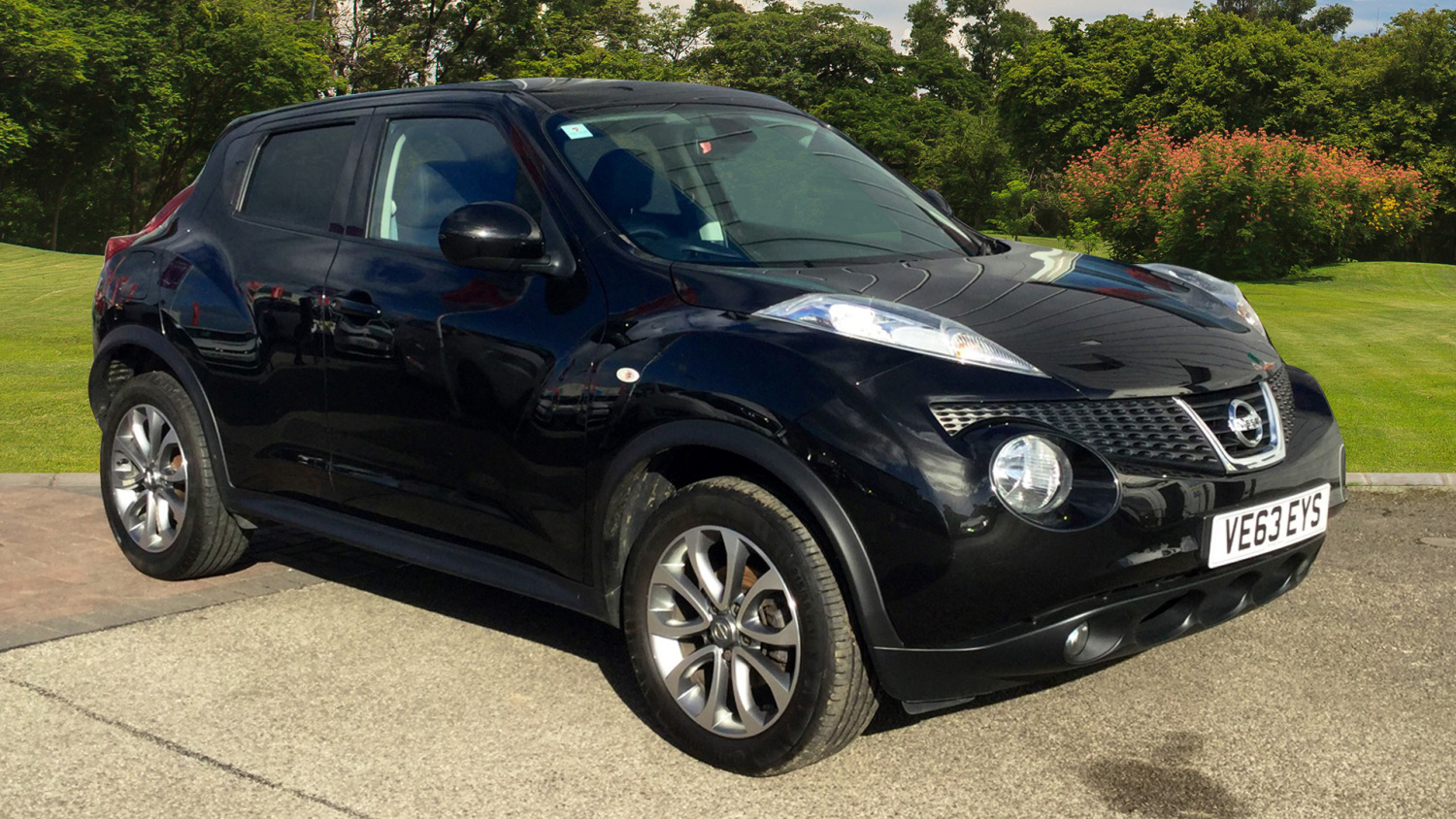used nissan juke 1 5 dci tekna 5dr start stop diesel hatchback for sale in scotland macklin. Black Bedroom Furniture Sets. Home Design Ideas