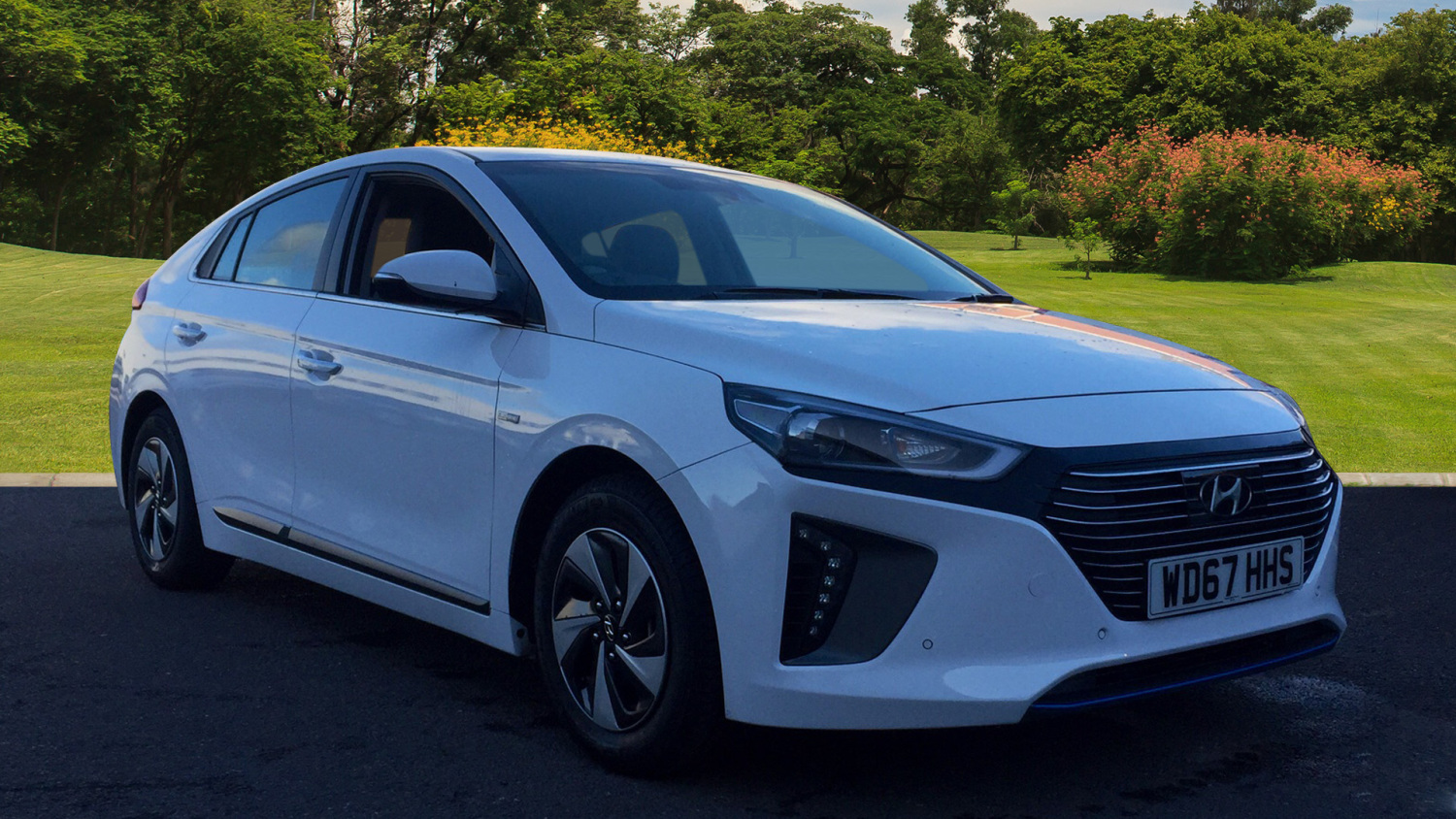 used hyundai ioniq 1 6 gdi hybrid premium se 5dr dct hybrid hatchback for sale in scotland. Black Bedroom Furniture Sets. Home Design Ideas