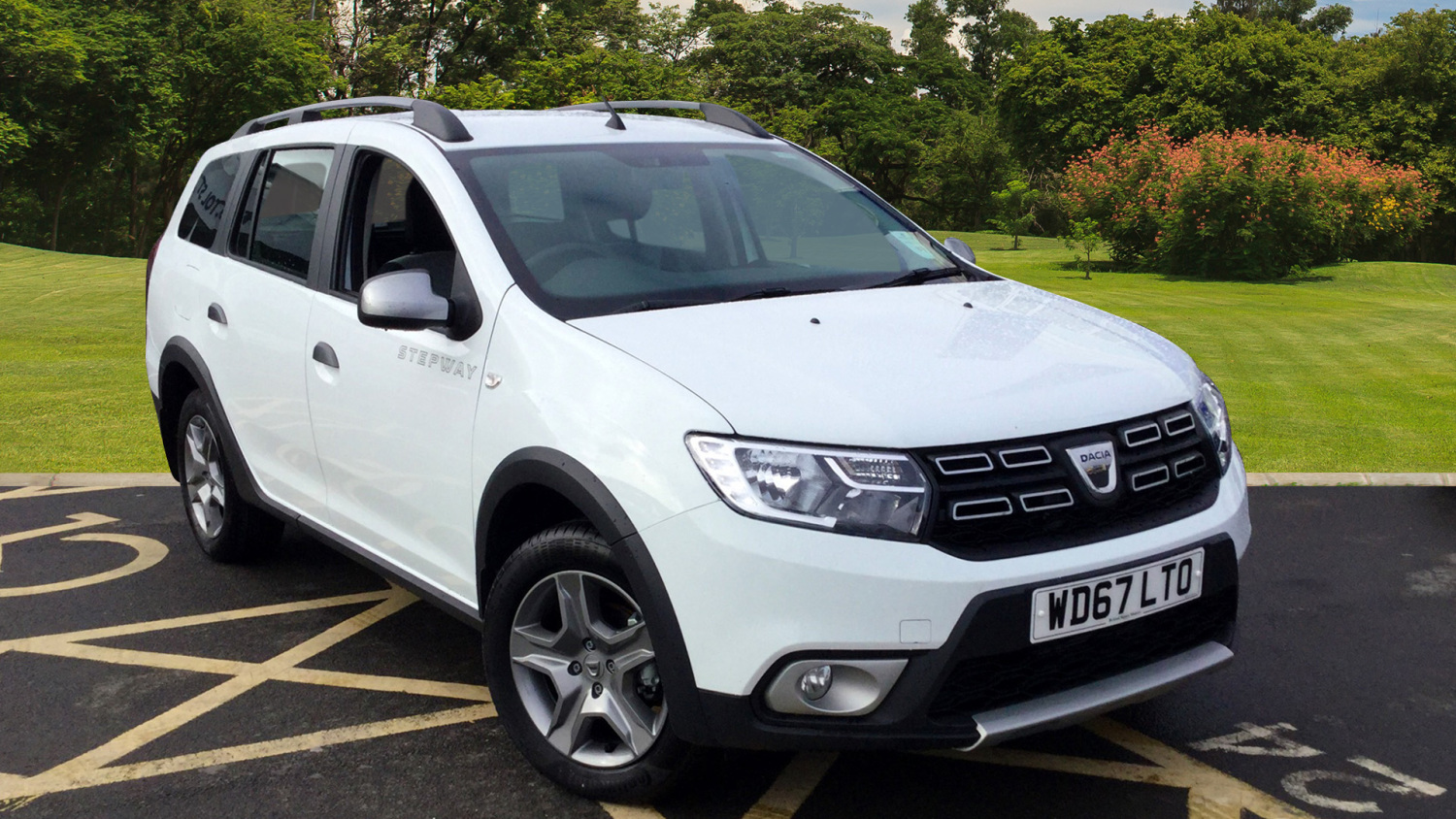 used dacia logan stepway 1 5 dci laureate 5dr diesel estate for sale in scotland macklin motors. Black Bedroom Furniture Sets. Home Design Ideas