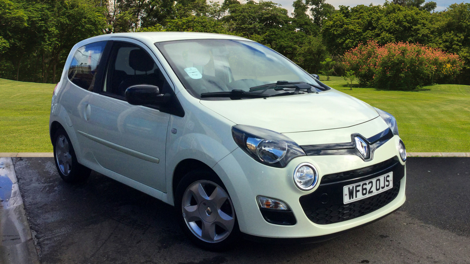 used renault twingo 1 2 16v dynamique 3dr petrol hatchback for sale in scotland macklin motors. Black Bedroom Furniture Sets. Home Design Ideas