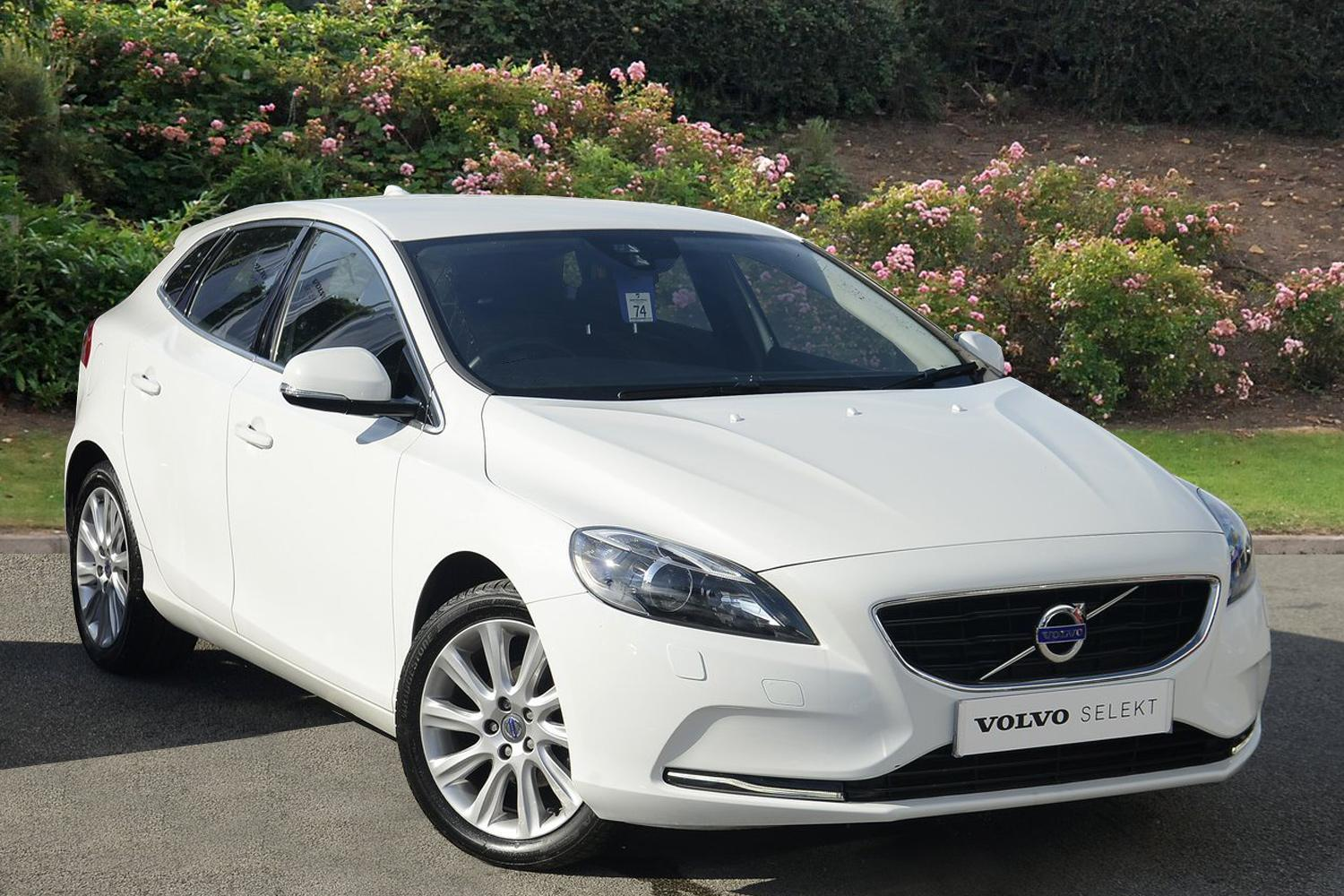 used volvo v40 d2 se lux 5dr diesel hatchback for sale in. Black Bedroom Furniture Sets. Home Design Ideas