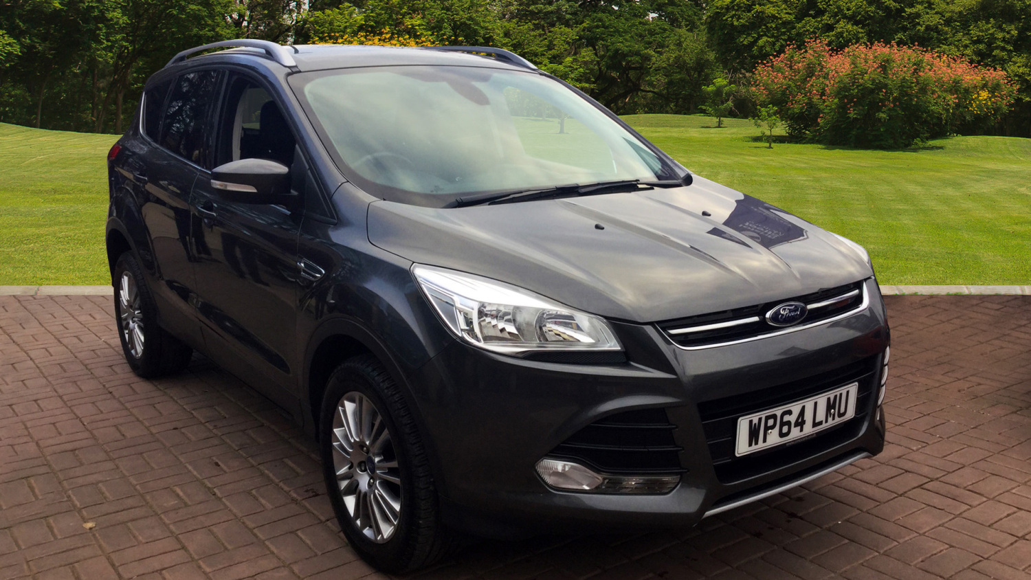 used ford kuga 2 0 tdci titanium 5dr 2wd diesel estate for sale in scotland macklin motors. Black Bedroom Furniture Sets. Home Design Ideas