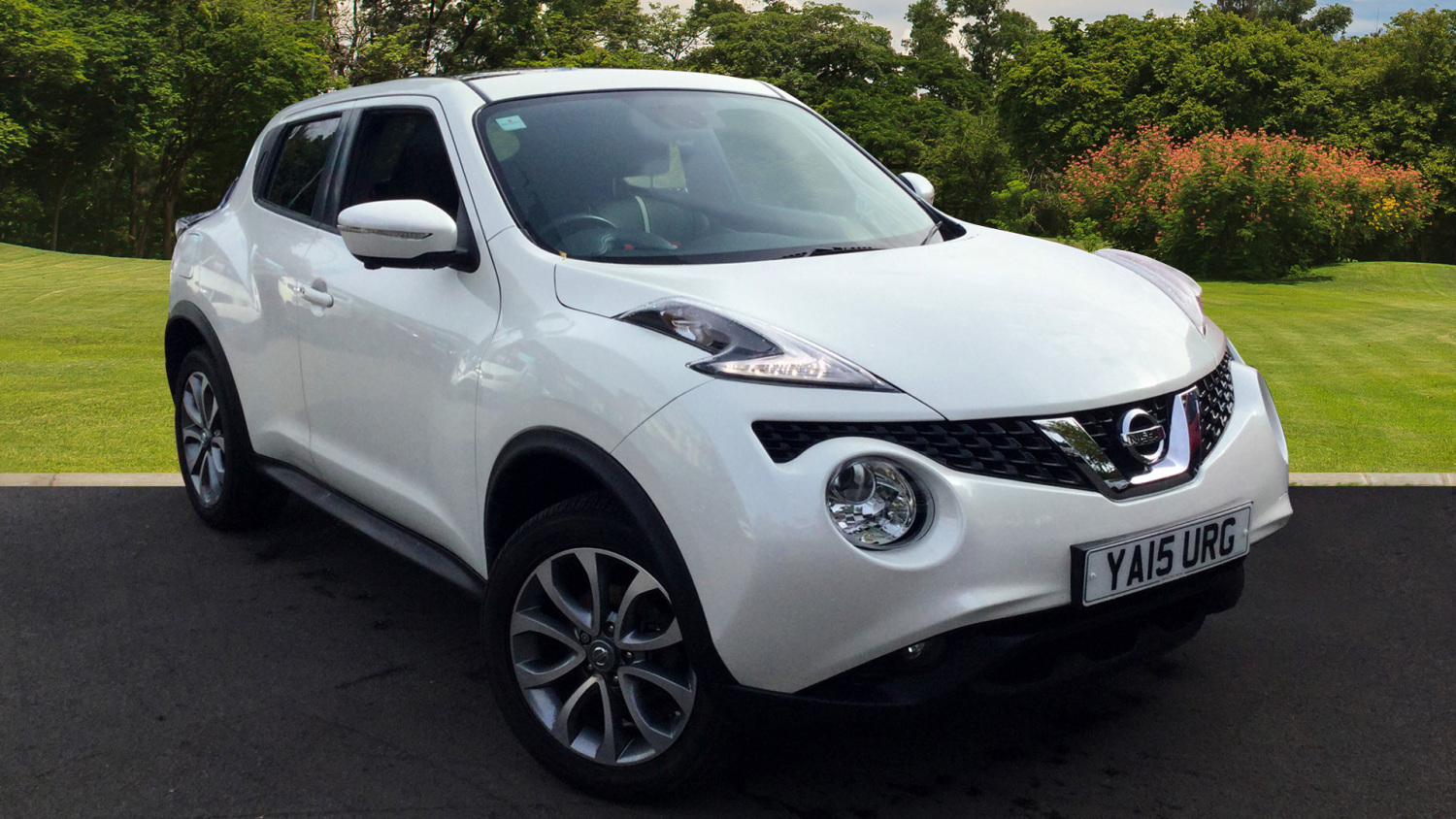 used nissan juke 1 2 dig t tekna 5dr petrol hatchback for sale in scotland macklin motors. Black Bedroom Furniture Sets. Home Design Ideas