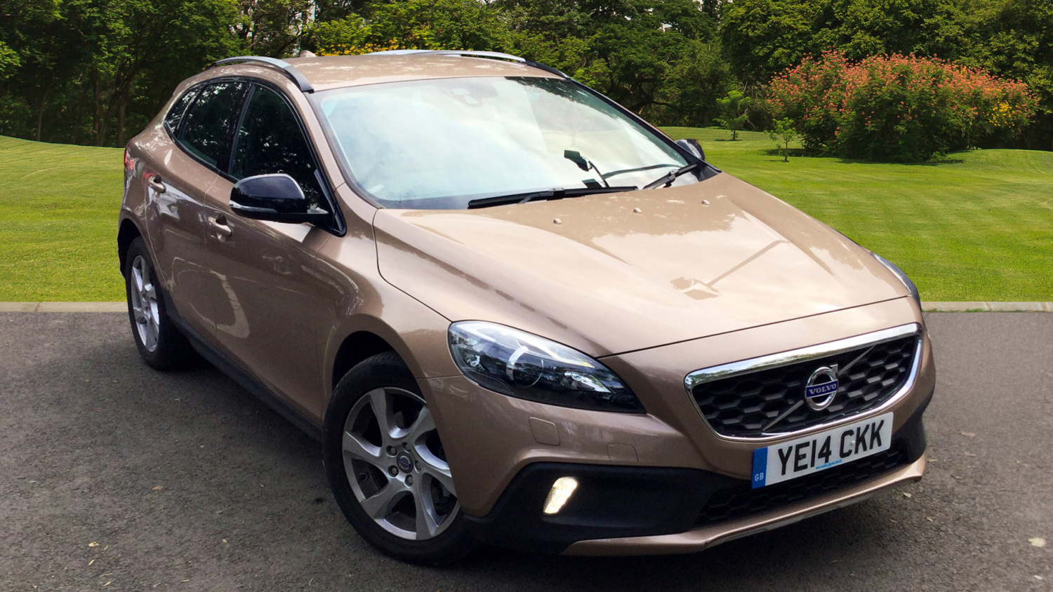 used volvo v40 d2 cross country lux 5dr powershift diesel hatchback for sale in scotland. Black Bedroom Furniture Sets. Home Design Ideas