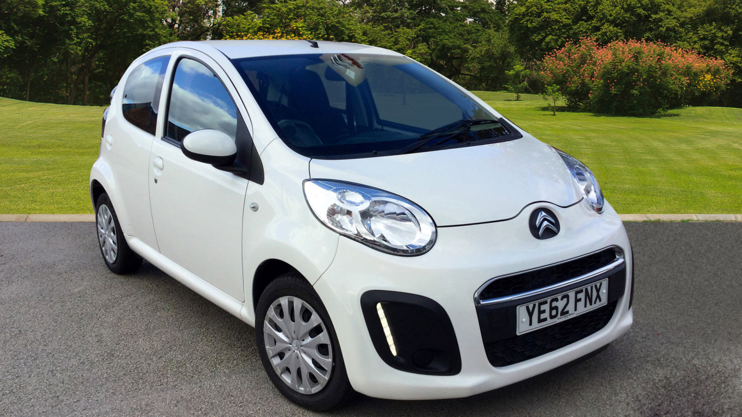 used citroen c1 1 0i vtr 5dr petrol hatchback for sale in scotland macklin motors. Black Bedroom Furniture Sets. Home Design Ideas