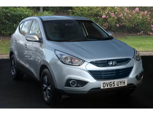 used hyundai ix35 1 7 crdi s 5dr 2wd diesel estate for sale in scotland macklin motors. Black Bedroom Furniture Sets. Home Design Ideas