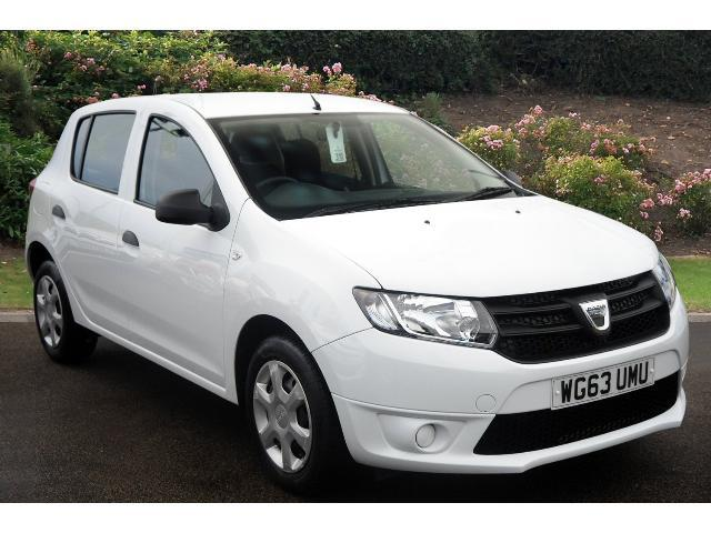 used dacia sandero 1 2 16v ambiance 5dr petrol hatchback for sale in scotland macklin motors. Black Bedroom Furniture Sets. Home Design Ideas